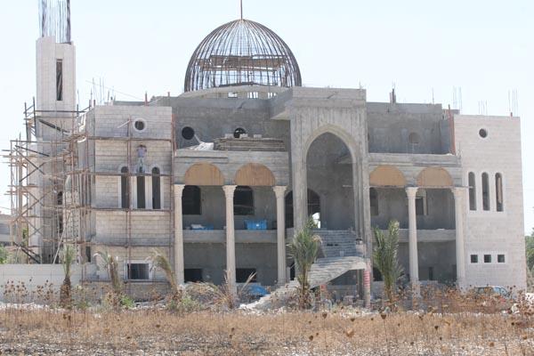 من إعمار المساجد.. العناية بها